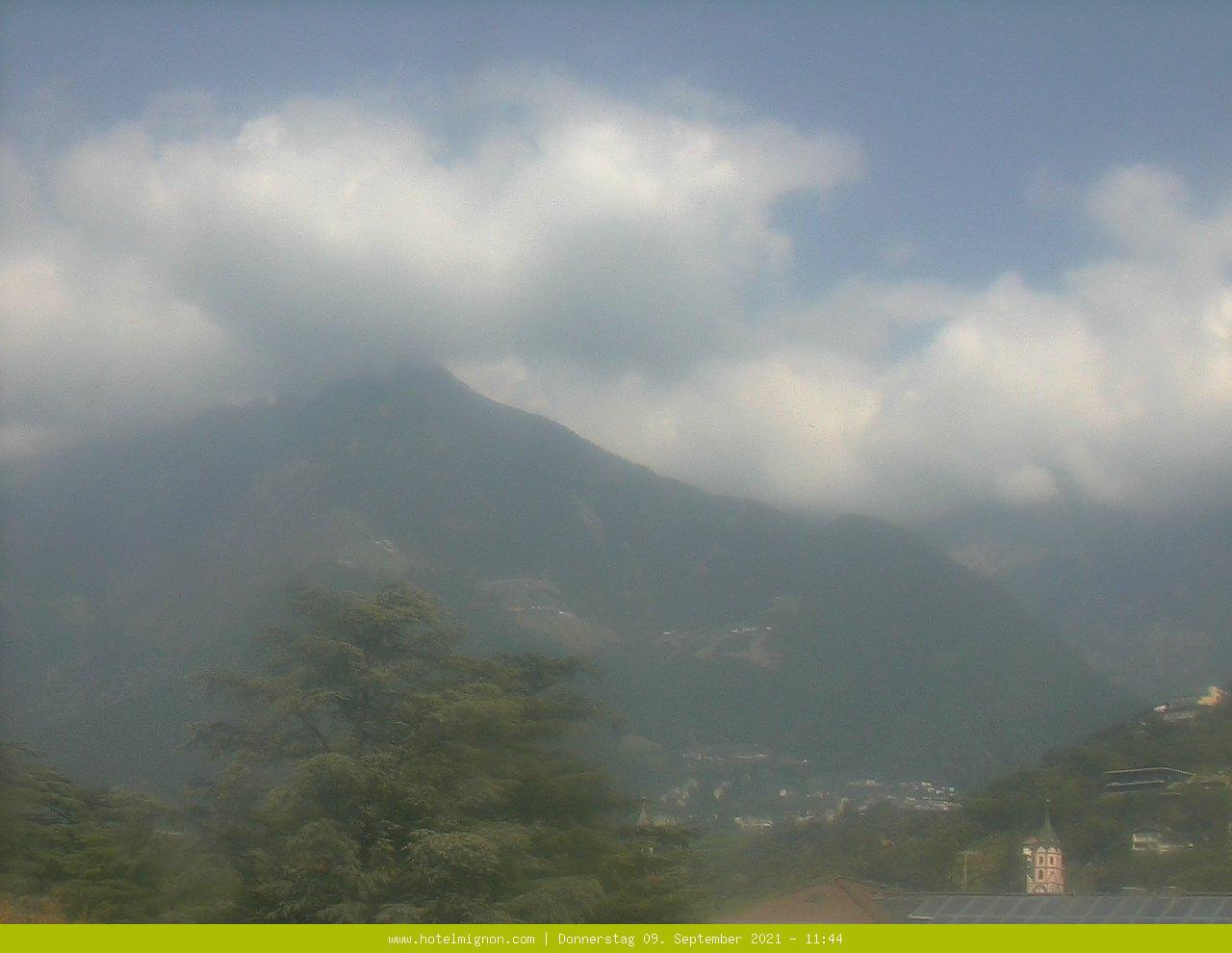 Webcam to the mountain world of Merano