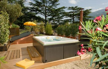Privater Whirlpool der SPA Suite
